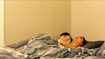เย็ดเสียว เย็ดหีพี่สาว เย็ดบนเตียง หนังโป๊แอบเย็ด หนังโป๊แนวครอบครัว