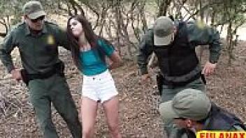 เอาหี เย็ดในป่า เย็ดหีฝรั่ง เย็ดสด เย็ดบนรถทหาร