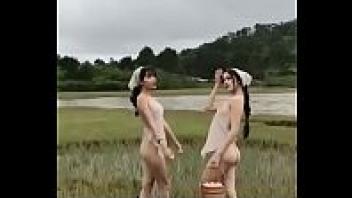 เดินแก้ผ้า หีขาว สาวเวียดนาม นางแบบเวียดนาม ถ่ายนู้ด