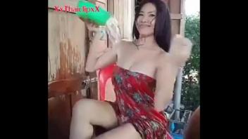 แก้ผ้า เบ็ดหี เซ็กโฟน อาบน้ำยั่ว หีไทย