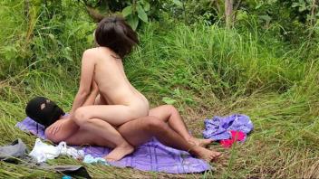 แอบเย็ด เอาสด เย็ดในสวน เย็ดในป่า เย็ดคนงานพม่า