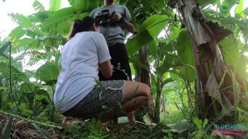 ไทย18+ โมกควยนอกสถานที่ แอบเอากัน เย็ดในป่ากล้วย ออรัลเซ็กส์ในป่า