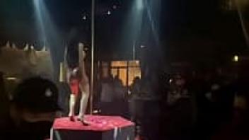 ไทยxxx เน็ตไอดอลไทย เต้นโชว์นม เต้นแก้ผ้า เต้นรูดเสา